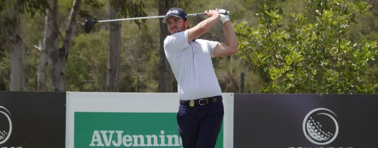2018 11 Flawless Endycott holds NSW Open lead